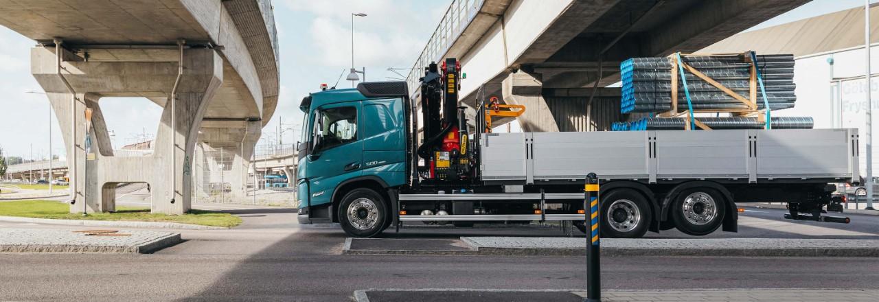 Få din Volvo FM med et bredt udvalg af akselkonfigurationer, akselafstande og chassishøjder, der passer til dine behov.